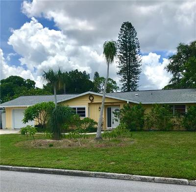 Sarasota Single Family Home For Sale: 142 Holly Avenue