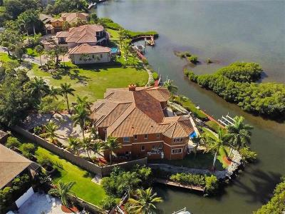 Sarasota Single Family Home For Sale: 1655 Bay Harbor Lane