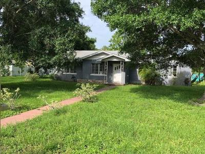 Single Family Home For Sale: 5900 Larchwood Avenue