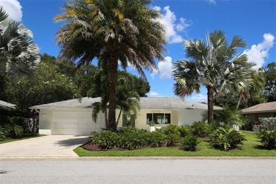 Sarasota Single Family Home For Sale: 105 Mimosa Drive