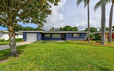 Sarasota Single Family Home For Sale: 2331 Valencia Drive