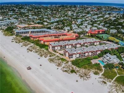 Holmes Beach Condo For Sale: 5806 Gulf Drive #104
