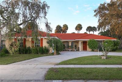 Gulf Gate Woods Single Family Home For Sale: 2415 Cardwell Way