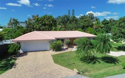 Sarasota Single Family Home For Sale: 1613 Idle Lane