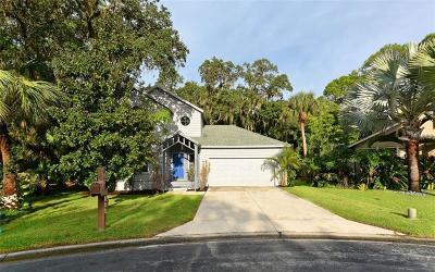 Sarasota Single Family Home For Sale: 822 Hammockwood Court