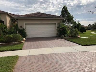 Hillsborough County Villa For Sale: 15746 Aurora Lake Circle