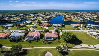 Punta Gorda Single Family Home For Sale: 733 Monaco Drive