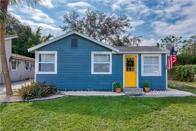 Sarasota Single Family Home For Sale: 2432 Arapaho Street