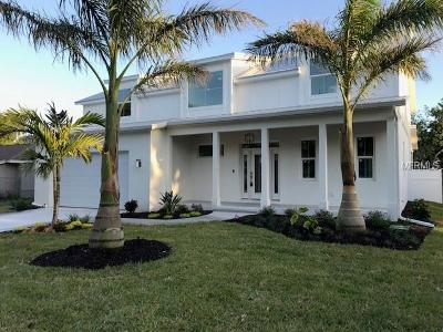 Sarasota Single Family Home For Sale: 2035 Wisteria Street