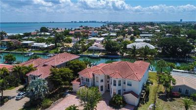 Longboat Key Single Family Home For Sale: 524 Outrigger Lane