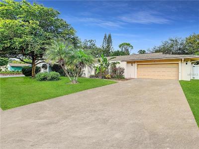 Sarasota Single Family Home For Sale: 833 Wee Burn Street