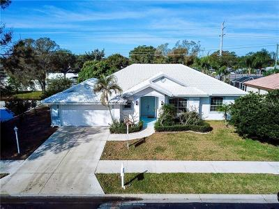 Sarasota Single Family Home For Sale: 6466 Woodbirch Place