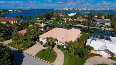 Bird Key, Bird Key Sub Single Family Home For Sale: 453 E Royal Flamingo Drive