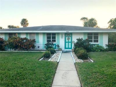 Holmes Beach Single Family Home For Sale: 7402 Palm Drive