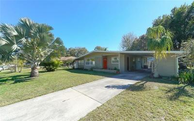Sarasota Single Family Home For Sale: 2498 Pelican Drive