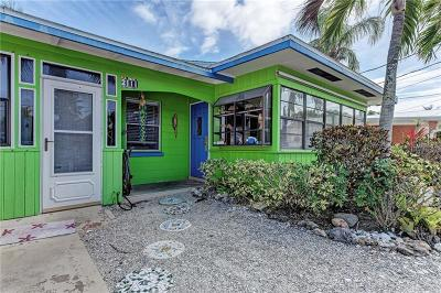 Bradenton Beach Single Family Home For Sale: 2111 Avenue B
