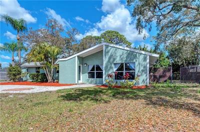 Sarasota Single Family Home For Sale: 648 Melody Circle