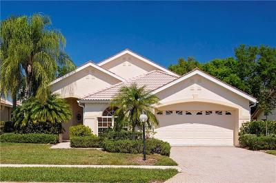 Sarasota Single Family Home For Sale: 5825 Fairway Lakes Drive