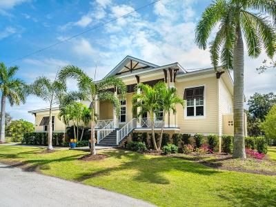 Collier County, Lee County, Charlotte County, Sarasota County, Manatee County Single Family Home For Sale: 6540 Gulf Of Mexico Drive
