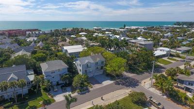 Holmes Beach Condo For Sale: 6250 Holmes Boulevard #21