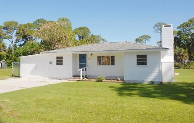 Englewood FL Single Family Home For Sale: $174,900