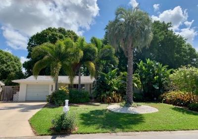 Sarasota Single Family Home For Sale: 5427 Nutmeg Avenue