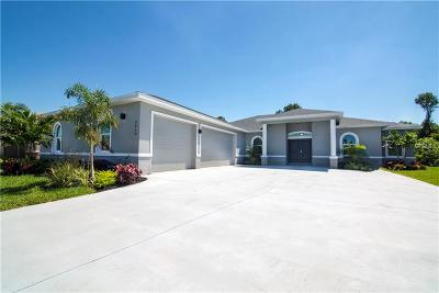 Ruskin Single Family Home For Sale: 2610 Cumberland Cliff Drive