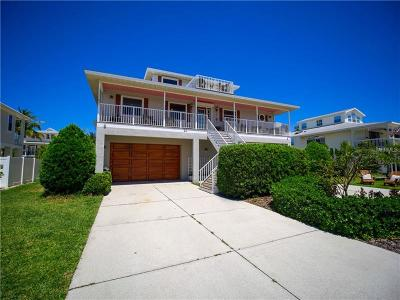 Holmes Beach Single Family Home For Sale: 11 Palm Harbor Drive