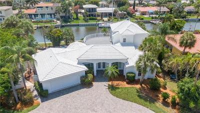 Longboat Key Single Family Home For Sale: 560 Outrigger Lane