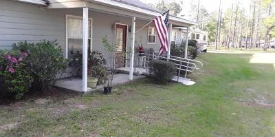 Dade City Single Family Home For Sale: 17425 Hyland Lane