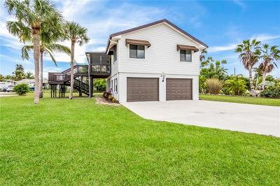Holmes Beach Single Family Home For Sale: 8309 Marina Drive