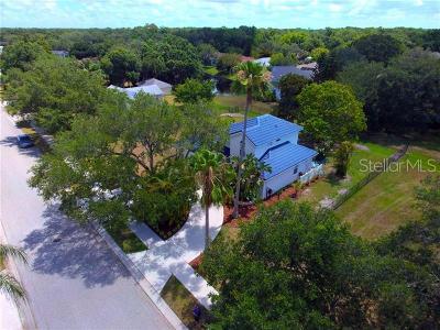 Single Family Home For Sale: 120 Whispering Oaks Court