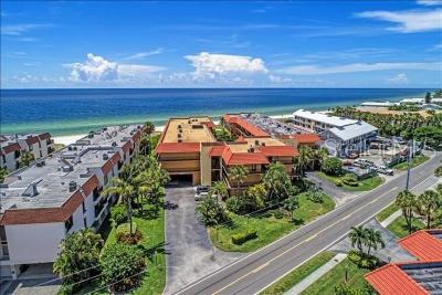 Holmes Beach Condo For Sale: 6006 Gulf Drive #215
