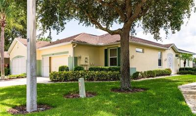 Hernando County, Hillsborough County, Pasco County, Pinellas County Villa For Sale: 2132 Acadia Greens Drive