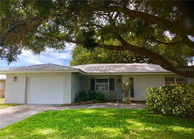 Sarasota Single Family Home For Sale: 7132 Antigua Place