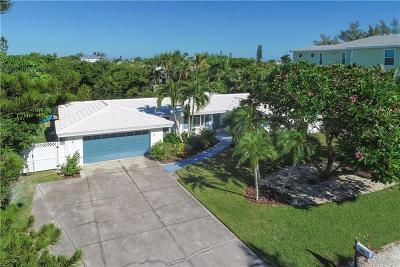 Holmes Beach Single Family Home For Sale: 306 68th Street