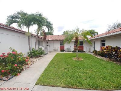 Sarasota FL Villa For Sale: $399,000
