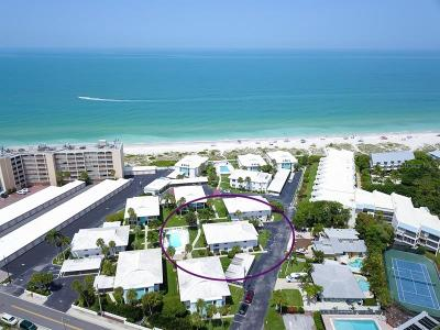 Holmes Beach Condo For Sale: 5400 Gulf Drive #22