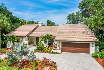Sarasota Single Family Home For Sale: 5231 Siesta Cove Drive