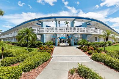 Lido Key Condo For Sale: 475 Benjamin Franklin Drive #106