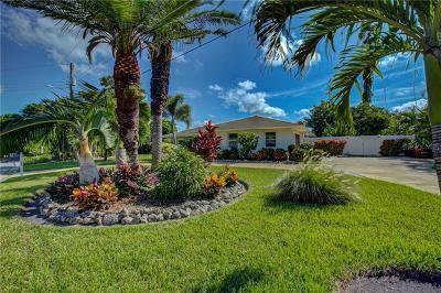 Sarasota Single Family Home For Sale: 5517 Antilles Drive