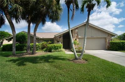 Sarasota Single Family Home For Sale: 3873 Torrey Pines Boulevard