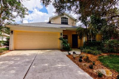 Sarasota Single Family Home For Sale: 817 Cedarcrest Court