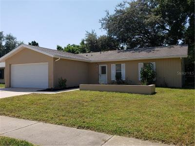 Port Richey Single Family Home For Sale: 10325 Leaning Oak Drive