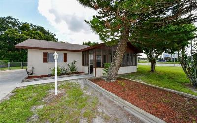 Bradenton Single Family Home For Sale: 5315 46th Street Court E