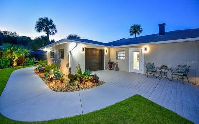 Sarasota Single Family Home For Sale: 549 Venice Lane