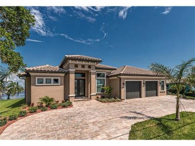 Punta Gorda Single Family Home For Sale: 2060 Aqui Esta Drive
