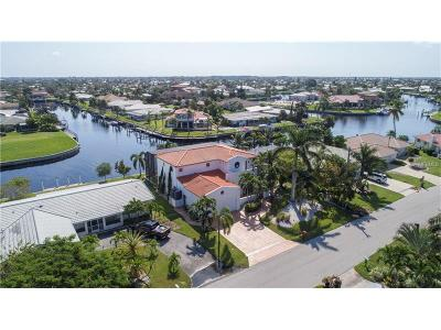 Punta Gorda Single Family Home For Sale: 2301 Palm Tree Drive