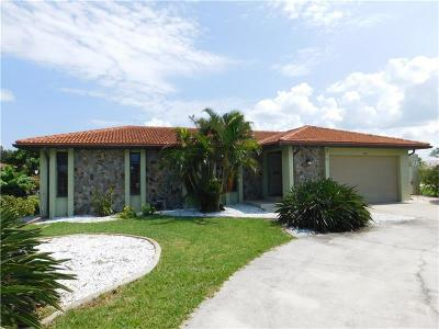 Punta Gorda Single Family Home For Sale: 2804 Coral Way