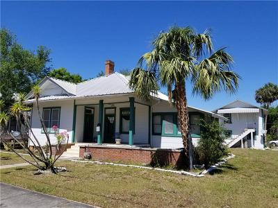 Single Family Home For Sale: 523 E Oak Street